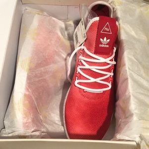 New in Box Adidas Pharrell Human Race s9